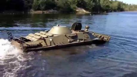 """В Керченском проливе ищут затонувший во время """"патриотической"""" акции БРДМ-2 – СМИ узнали первые подробности"""