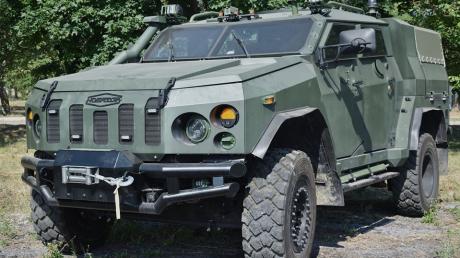 """Украинские бронемашины """"Новатор"""" для сухопутных войск ВСУ станут """"новой головной болью"""" для врага, кадры"""