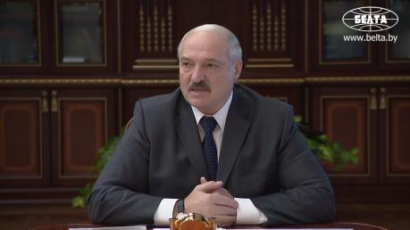 """Лукашенко ответил на """"гадости"""" от РосСМИ: """"Не трогайте нас! Не делайте из беларусов дураков!"""""""
