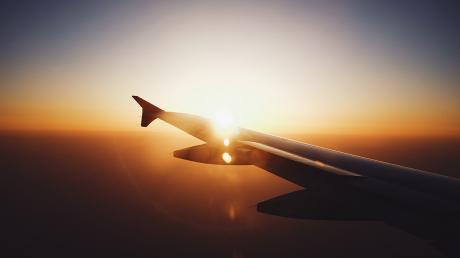 В Украине запускают авиасообщение: Кабмин назвал дату для международных авиаперевозок