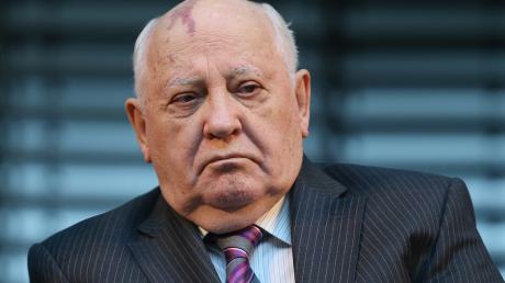 """Горбачев выступил против Лукашенко: """"Это так просто не пройдет"""""""
