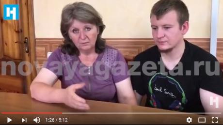 """""""Я ожидала увидеть в Украине совсем другое!"""" - мать российского спецназовца Агеева встретилась с сыном в тюрьме на Донбассе и расплакалась. Видео первой встречи опубликовано в Сети - кадры"""