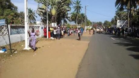 """Reuters: террористы """"Аль-Каиды"""" взяли на себя ответственность за нападение на отель в Кот-д'Ивуаре"""