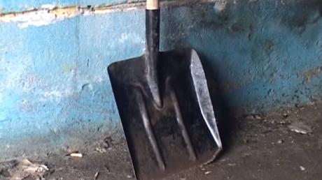 Зверская расправа в Одессе: группа бомжей заживо закопала свою собутыльницу в строительной яме