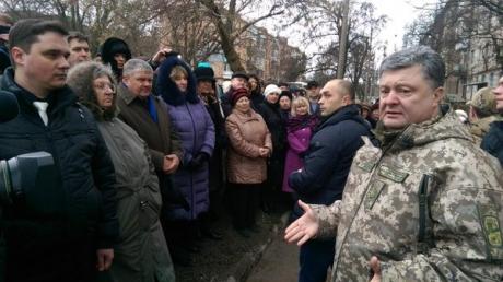 Порошенко: для начала, мы выдворим террористов, закроем границу, восстановим украинский суверенитет – и тогда проведем выборы на Донбассе