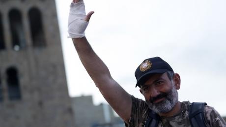 Пашинян снова призвал армян расходиться: лидер протестов выступил с громким заявлением к народу