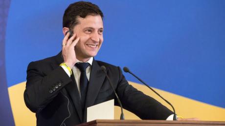 Зеленский конструктивно поговорил по телефону с премьером Британии: детали разговора