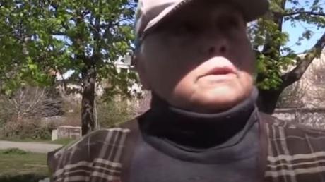 """Крымчане мечтают о туристах и ждут Украину: """"От России вред. Вместо людей у нас курочки и  кролики"""", - кадры"""