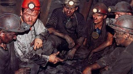 СМИ: шахтеры Донецка готовы с автоматами в руках воевать против ДНР