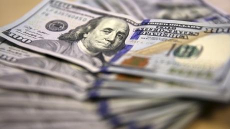 """В Одессе поймали высокопоставленного копа на сбыте 50 тыс. фальшивых долларов из """"ДНР"""". Еще 5 млн. было в """"загашнике"""""""