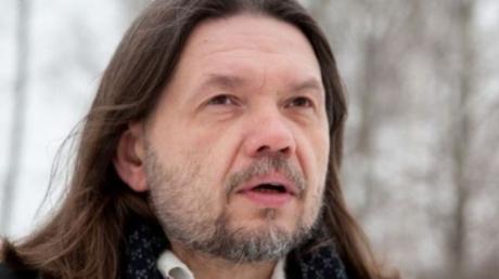 Бригинец: нужно отменить советские праздники в мае