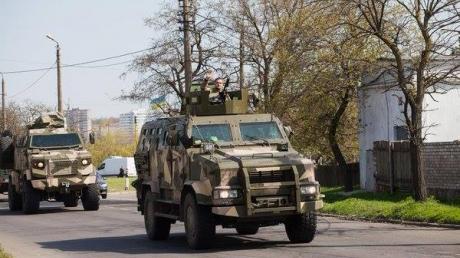 Полк 'Азов' едет в Одессу, чтобы защитить регион от вторжения из Приднестровья