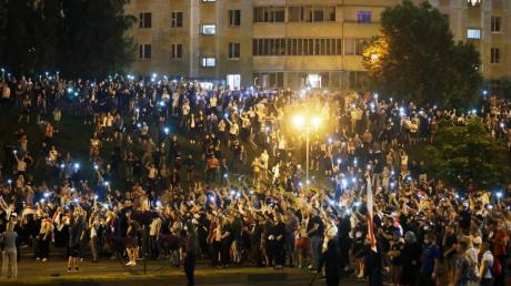 В Беларуси могут ввести военное или чрезвычайное положение в ближайшее время