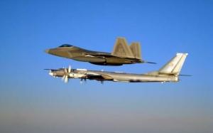 Ту-95, F-22, ввс сша, перехват, аляска, видео