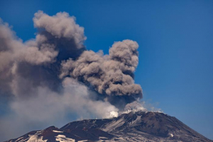 вулкан, Этна, Сицилия, Италия, извержение, происшествия природные катастрофы