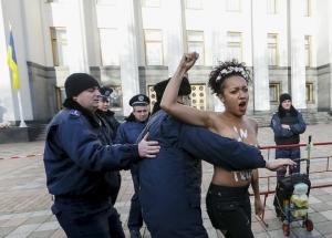 Лукашенко, Порошенко, Femen