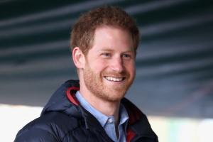 мегна маркл, принц гарри, вернулся в великобританию в одиночестве