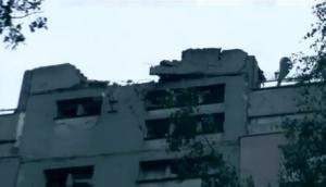 луганск, крыша, девятиэтажка, снаряд