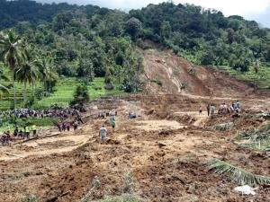 оползень, происшествие, индонезия