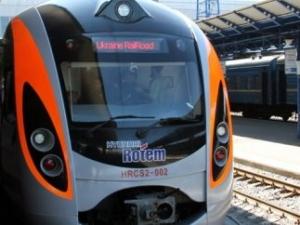 hundai, скоростной поезд, электропоезд, сошел с рельс, происшествия, железная дорога, киев - харьков, харьков, киев, общество, новости