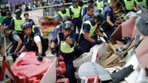 гонконг, протест, полиция, барикады