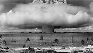 Земля, конец света, ядерная война, перенаселение, голод, наука