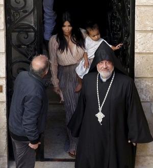 шоу-бизнес, ким кардашьян, крестины дочери, иерусалим, скандал