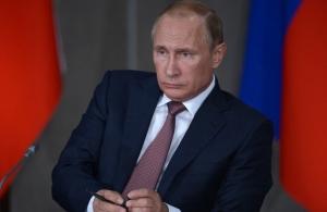 Россия, политика, общество, Путин, инаугурация, бедность, опрос, Левада-центр, кризис в стране, экономике, пенсии, соцвыплаты, недовольство Путиным