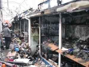 Пожар, Луганск, рынок, ЛНР, видео, очевидец