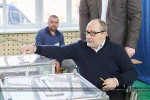 Харьков, выборы президента Украины, Кернес, голосование, мэр, избиратели, избирательный участок.