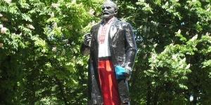 волноваха, памятник ленину, общество, донбасс, восток украины, декоммунизация