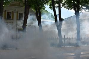 Екатеринбург, протесты, новости, Россия, РПЦ, резиденция Кирилла, закидали шашками, Москва