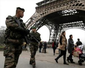 газета Charlie Hebdo, париж ,происшествие, общество ,криминал, расстрел, франция, полиция франции, французские военные