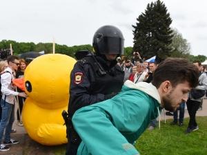 12 июня День России, Санкт-Петербург, задержанные, надувная утка, оппозиция РФ