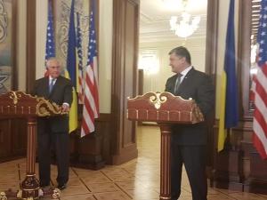 Меры по урегулированию конфликта на Донбассе, Петр Порошенко, Рекс Тиллерсон в Киеве, Путин