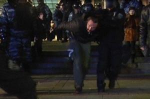 милиция, активисты, Киев, разгон, щиты, выступление, петарды