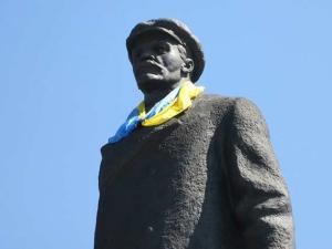 АТО, Донбасс, Славянск, памятник Ленину, Ленинопад, охрана, общество