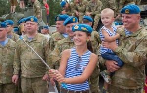 порошенко петр, армия украины, десантники, видео
