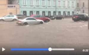 москва, ливень, дождь, потоп, видео, москвичи, погода, гром, гроза, новости россии