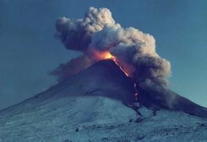 вулкан ключевской, камчатка, общество, россия, извержение вулкана