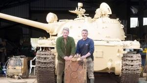Сеть, иноСМИ, находка, техника, танк, Т-54, клад, золото, Великобритания, Британия, коллекция, общество, Ник Мид, счастливчик