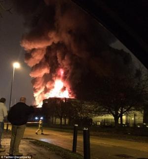 лондон, пожар, происшествия, чп