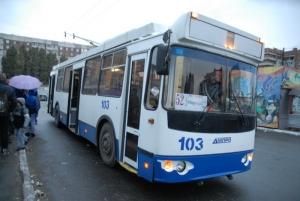снаряд, луганск, троллейбусы, ато