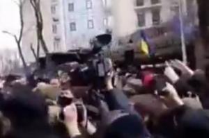 пикет, протест, митинг, посольство, россия, рф, одесса, полиция, происшествия, слезоточивый газ, видео, общество, надежда савченко