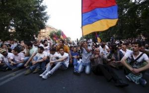 ереван, армения, митинг, полиция, общество