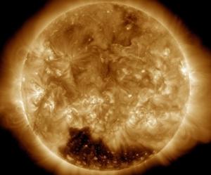 солнце, гигантские пятна, вспышки, магнитные бури, северное сияние