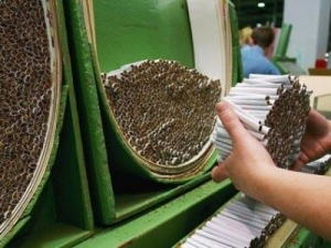 Экономика Украины, Крым, табачная фабрика в Крыму