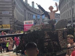 гей-парад в лондоне, путин, лгбт, президент россии