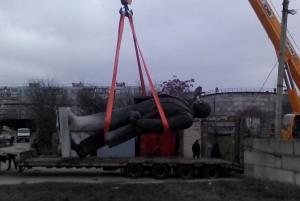 памятник ленину, демонтаж, снос, общество, украина, политика. декоммунизация