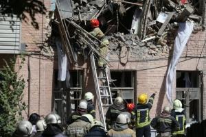 """взрыв в Киеве, взорвался дом, пострадавшие в аврии, жилье для пострадавших, дом возле станции """"Голосеевка"""""""